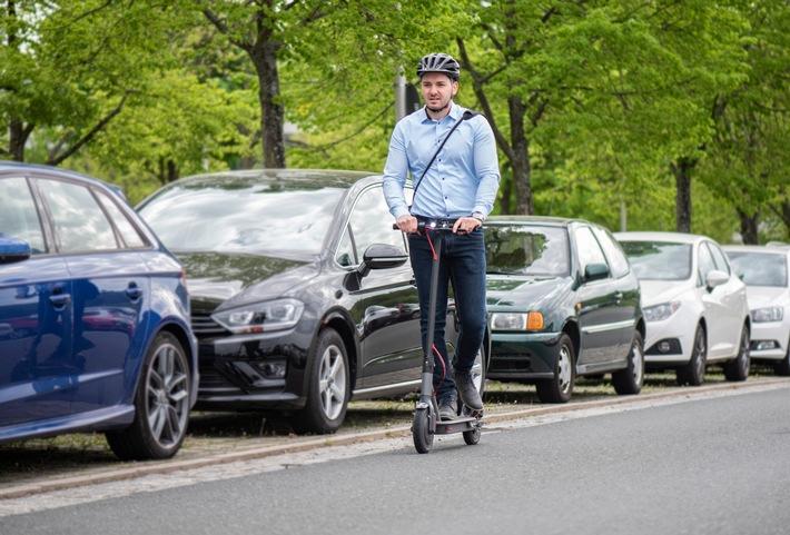 Wer seinen E-Scooter im Straßenverkehr nutzen will, braucht eine Versicherung