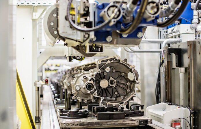 image 1 116 696x447 - ŠKODA AUTO produziert am Standort Mladá Boleslav achtmillionstes MQ200-Schaltgetriebe