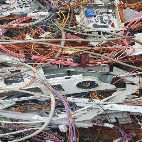 image 1 137 - Wir holen in Ratingen und Umgebung Ihren Metallschrott ab