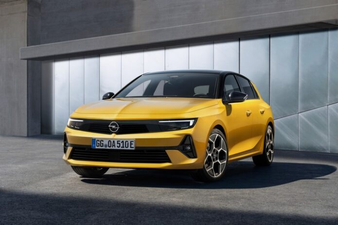image 1 80 696x464 - Der Opel Astra fährt in eine neue Ära: Elektrifiziert, effizient und aufsehenerregend