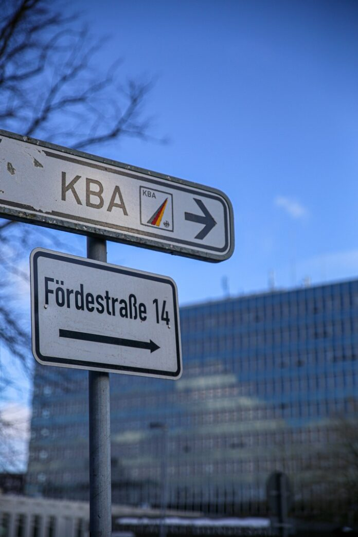 image 1 99 696x1044 - Anwälte setzen Kraftfahrtbundesamt unter Druck / Was weiß das KBA über die Intrigen bei Iveco und Fiat?