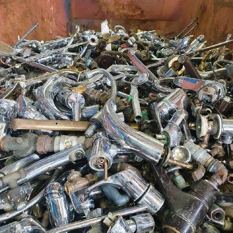 image 1 155 - Schrottabholung Bergkamen: Der mobile Schrotthändler holt Altmetallschrott beim Kunden ab