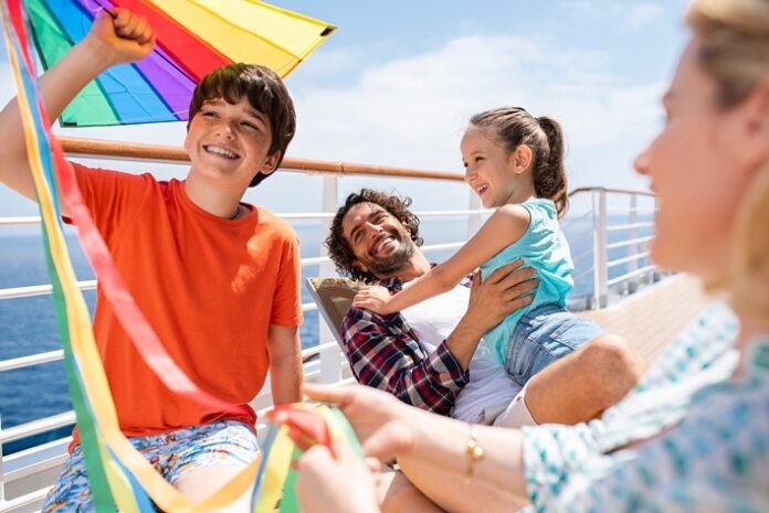 """image 1 63 696x465 - Costa Kreuzfahrten: """"Das schwimmende Klassenzimmer"""" Nachhilfe-Unterricht an Bord in den kommenden Herbstferien"""