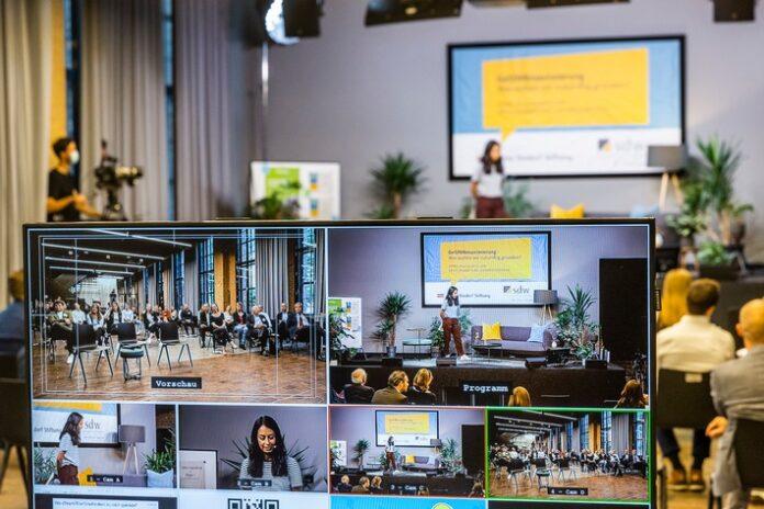 image 1 65 696x464 - Start-up Preparation: über die Herausforderung Unternehmertum Gründungswissen erwerben/Studentische Teams können bis 3. Oktober Ideen einreichen